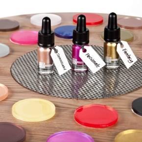 Objevte barevnou paletu dekorativní kosmetikyLush
