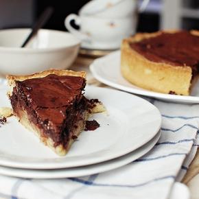 Neodolatelný koláč s hruškami ačokoládou